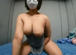 ぽっちゃり牛乳韓国人素人のオナニー映像!