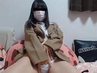 現役っぽい制服JKがマンコに指を突っ込んでクチュクチュしながらオナニー配信!