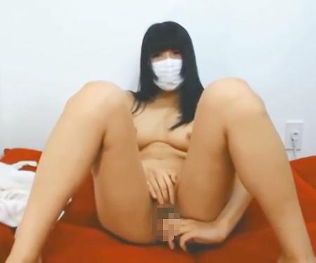 【無修正ライブチャット】JD美少女がパイパンお○んこくぱぁ!!