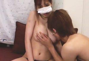 巨乳娘が乳吸われるカップル配信動画